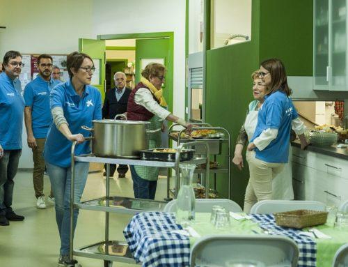 """La Fundació """"la Caixa"""" i CaixaBank aporten un milió d'euros a 136 menjadors socials de tota Espanya per ajudar a famílies en situació de vulnerabilitat"""
