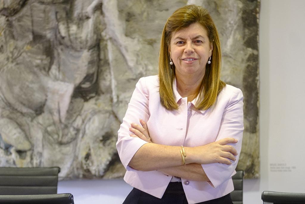 Diàlegs a la xarxa amb Elvira Carles