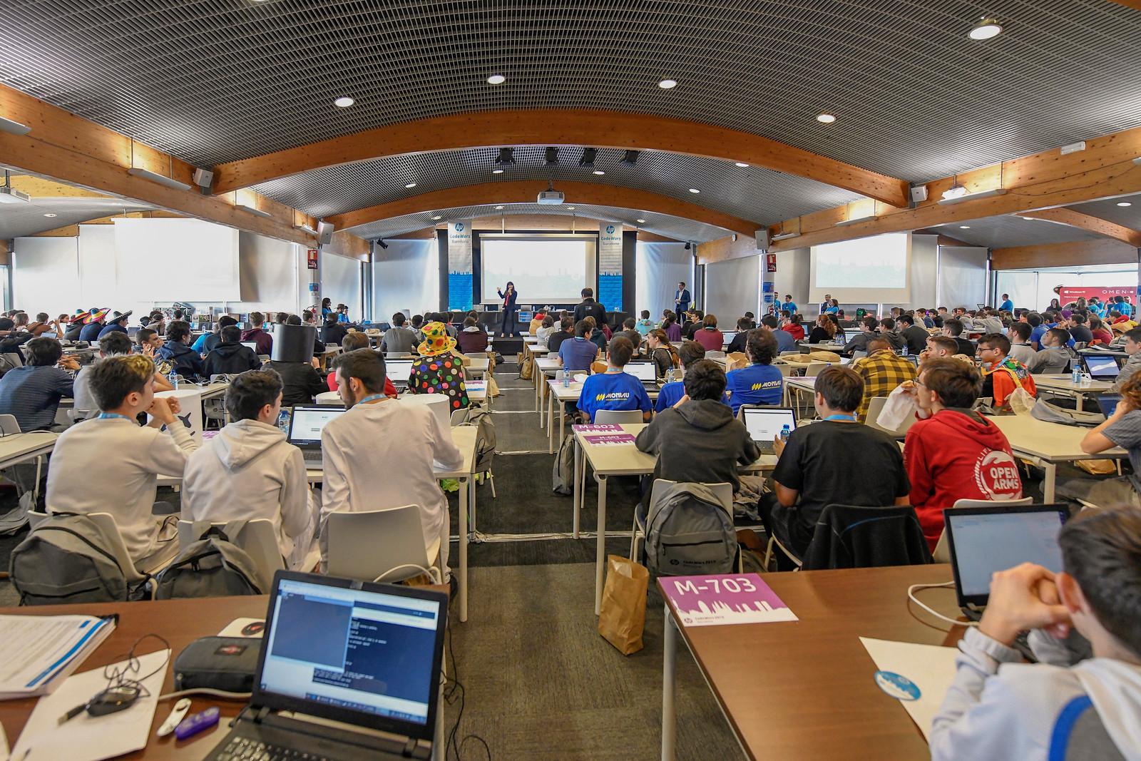 HP organitza un seminari virtual entre docents per fomentar la programació a les escoles