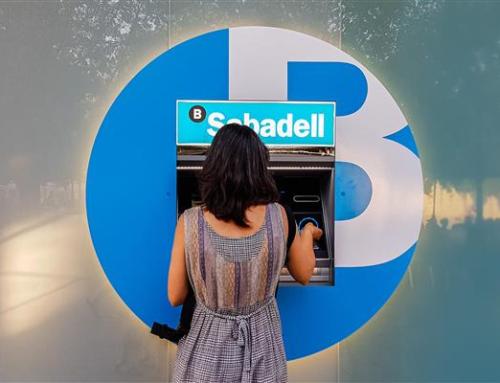 Banc Sabadell renova en un any 700 caixers a tot Espanya