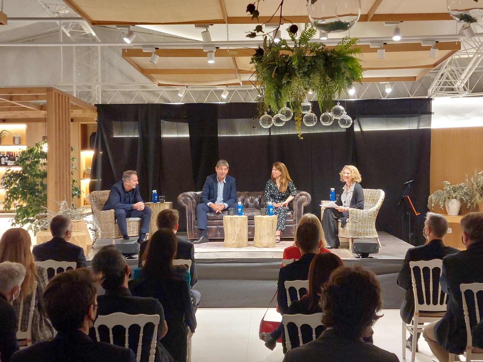 La nova edició de Converses debat sobre el paper de la cultura com a dinamitzador de l'economia